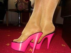 ladygaga-heels