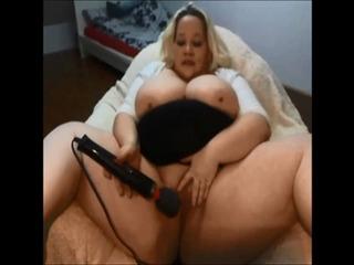 Geiler Orgasmus mit Massagestab