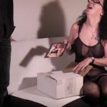 Paketboten zum Sex verführt