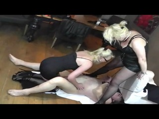 Bizarres Duo Teil 2 - Sanfte Tortouren zweier Fetisch Ladies