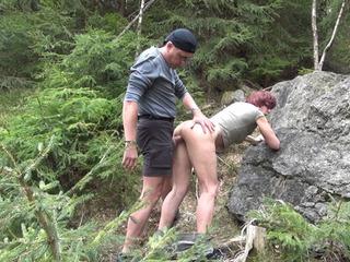 Doggyfick im Wald!